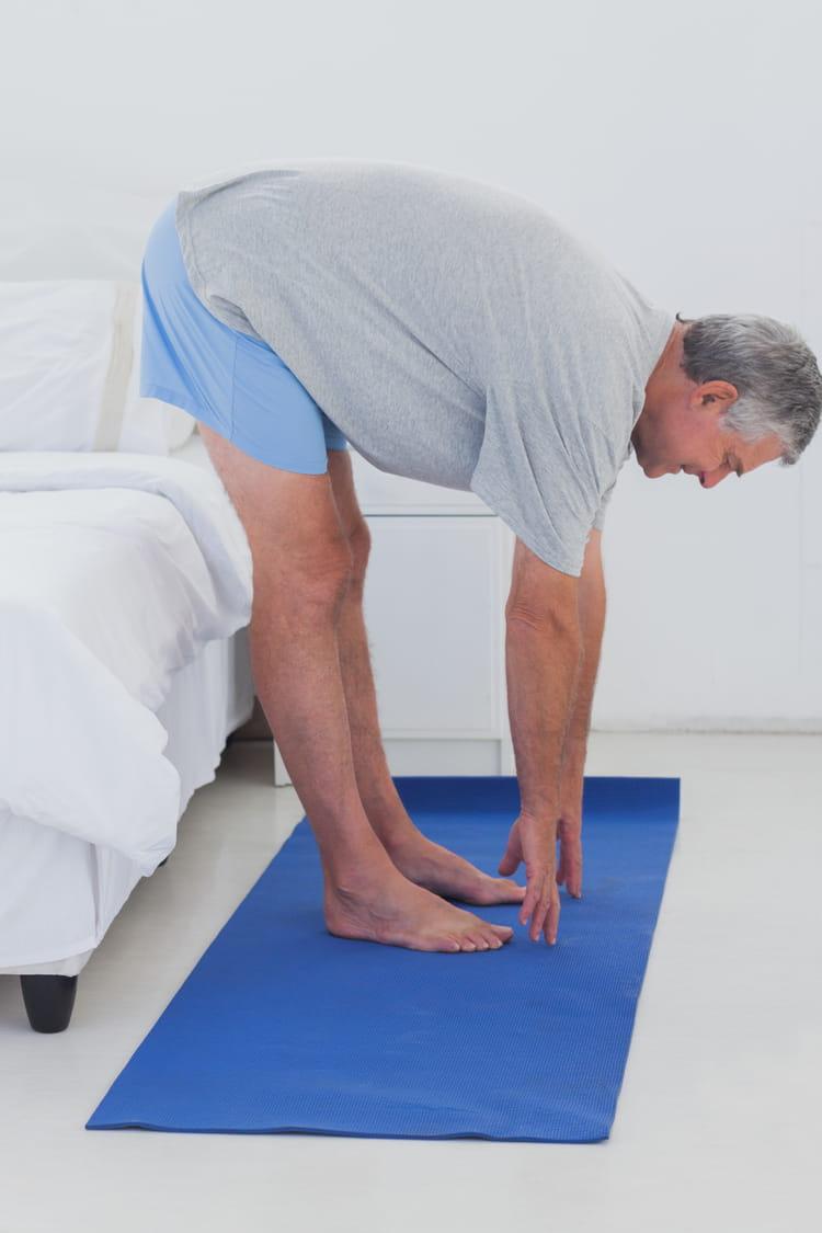 r veillez les jambes et les fessiers 10 exercices faire au saut du lit linternaute. Black Bedroom Furniture Sets. Home Design Ideas