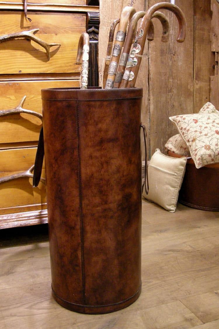 un porte parapluie. Black Bedroom Furniture Sets. Home Design Ideas