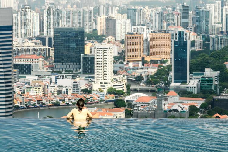 La piscine d bordement de l 39 h tel marina bay sands for Hotel singapour piscine