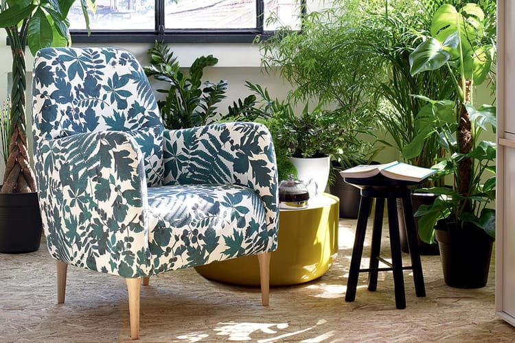une touche fleurie beaux et confortables ces fauteuils. Black Bedroom Furniture Sets. Home Design Ideas