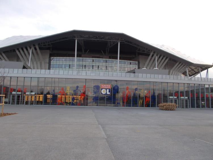 ol store la boutique au c ur du stade grand stade de lyon d couvrez le parc olympique. Black Bedroom Furniture Sets. Home Design Ideas