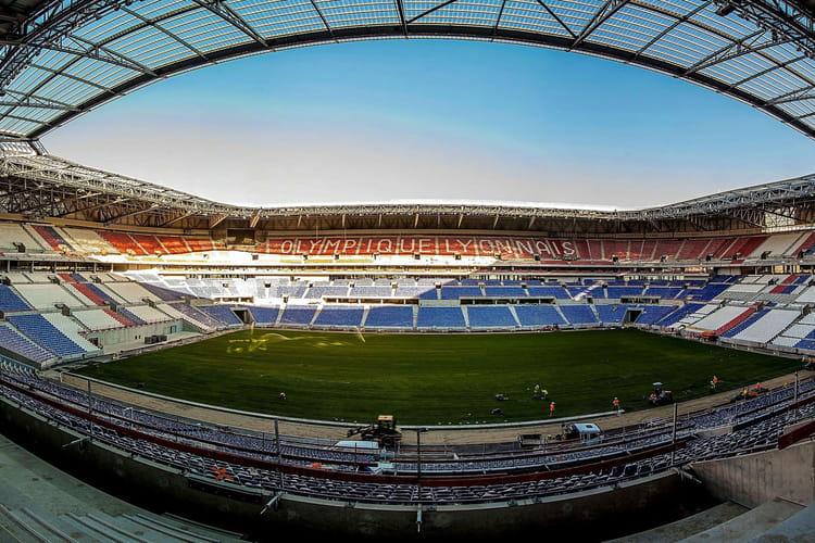 Grand stade de lyon d couvrez le parc olympique lyonnais photos lintern - Capacite d accueil stade de france ...