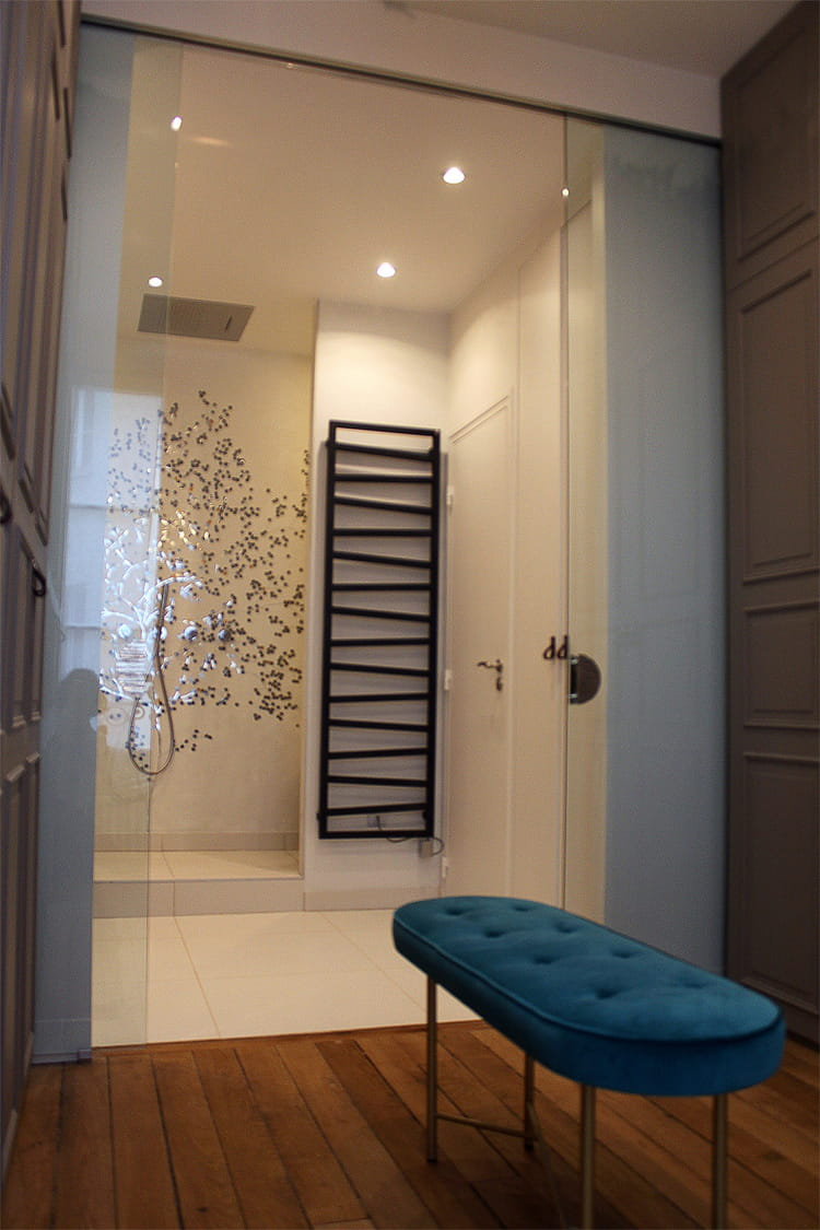 une pi ce d di e la douche une pluie de douches design linternaute. Black Bedroom Furniture Sets. Home Design Ideas