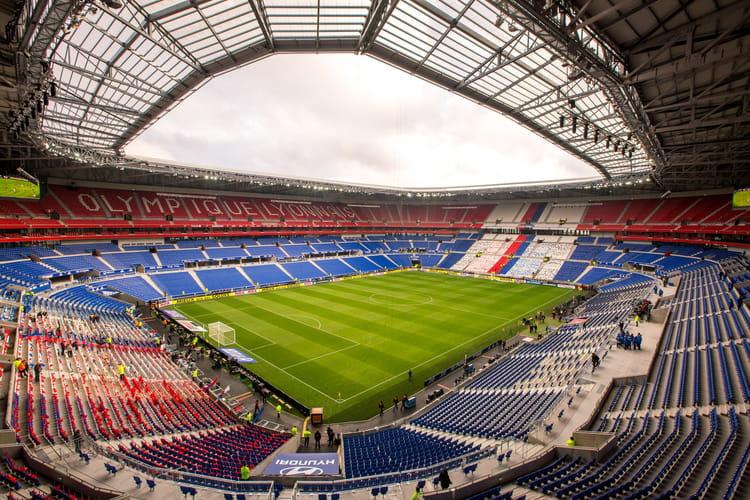 Une capacit d 39 accueil de pr s de 60 000 places grand stade de lyon d - Capacite d accueil stade de france ...