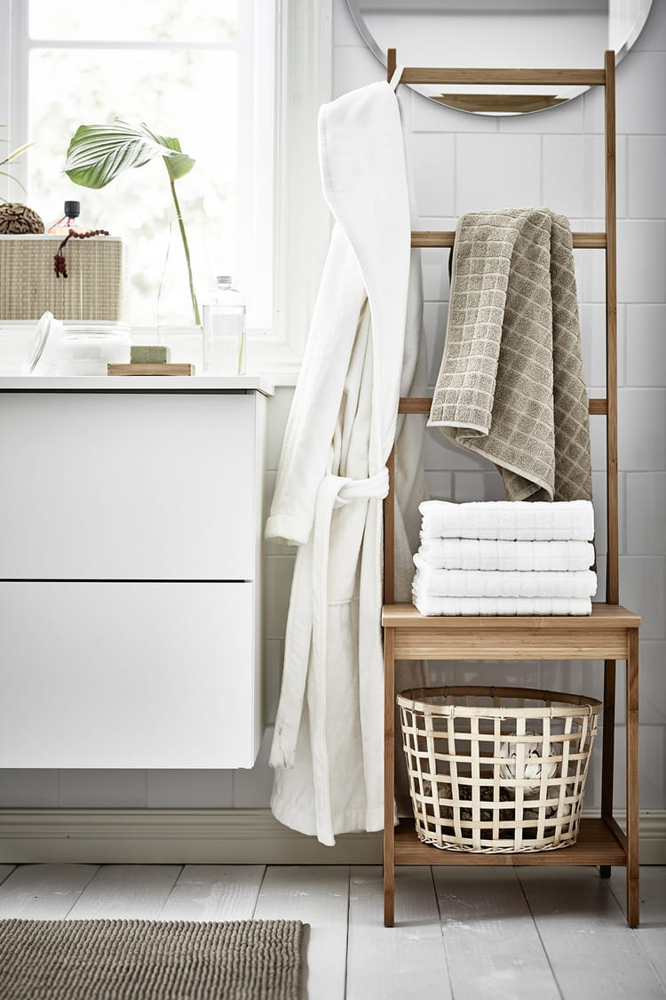 un porte serviettes insolite. Black Bedroom Furniture Sets. Home Design Ideas