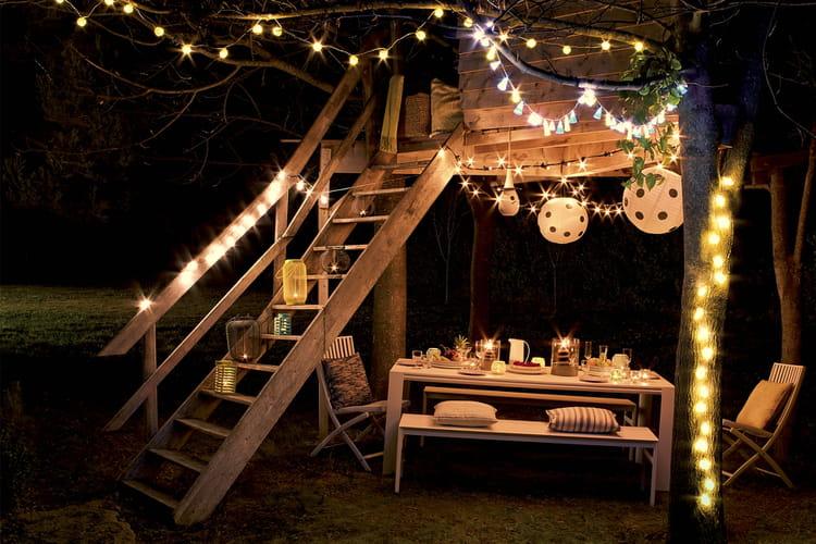 une guirlande dans un esprit guinguette. Black Bedroom Furniture Sets. Home Design Ideas