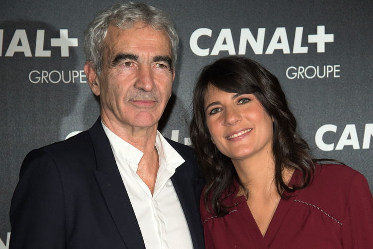 estelle denis et raymond domenech ensemble depuis plus de. Black Bedroom Furniture Sets. Home Design Ideas