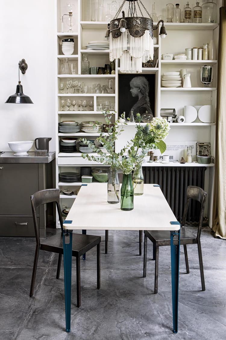 Un meuble sur mesure 20 belles tables de salle manger for Table salle a manger sur mesure