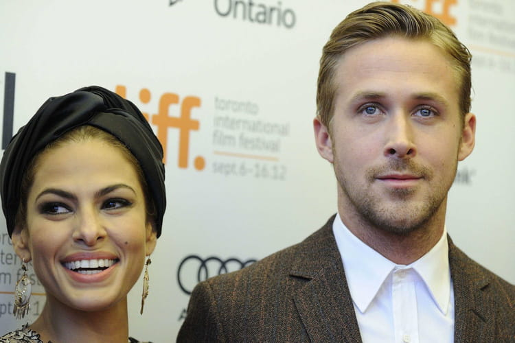 eva mendes enceinte de ryan gosling 42 ans. Black Bedroom Furniture Sets. Home Design Ideas