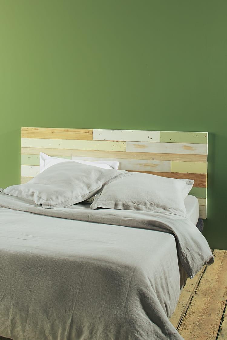 une t te de lit en bois. Black Bedroom Furniture Sets. Home Design Ideas