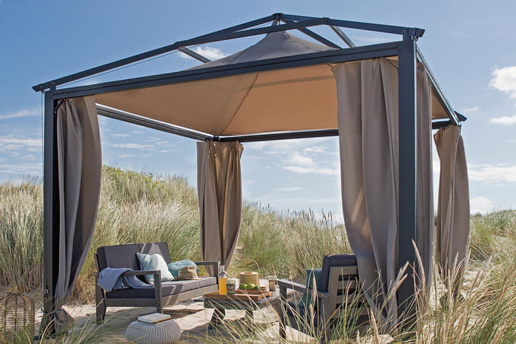 une tonnelle qui donne envie de voyager des tonnelles et. Black Bedroom Furniture Sets. Home Design Ideas