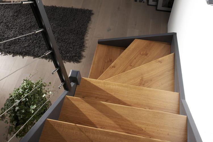 un kit tout pr t pour r nover son escalier. Black Bedroom Furniture Sets. Home Design Ideas
