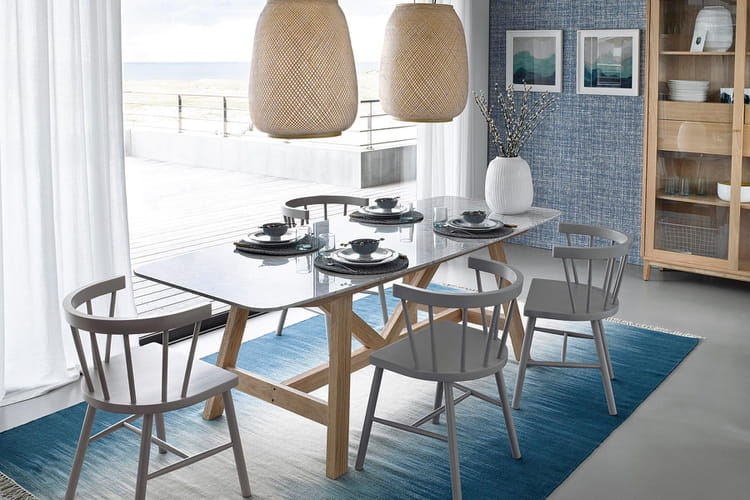 une table manger inspiration bord de mer 21 id es pour adopter un style marin linternaute. Black Bedroom Furniture Sets. Home Design Ideas