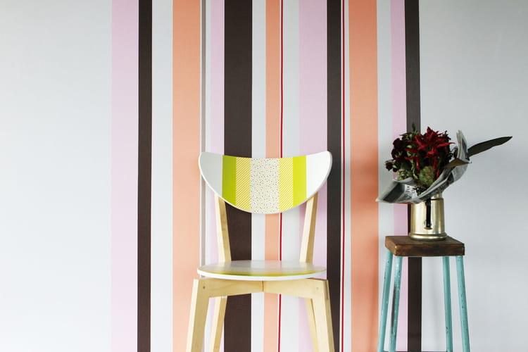 Relooker Une Chaise En Bois - Décorer un mur et relooker une chaise en bois