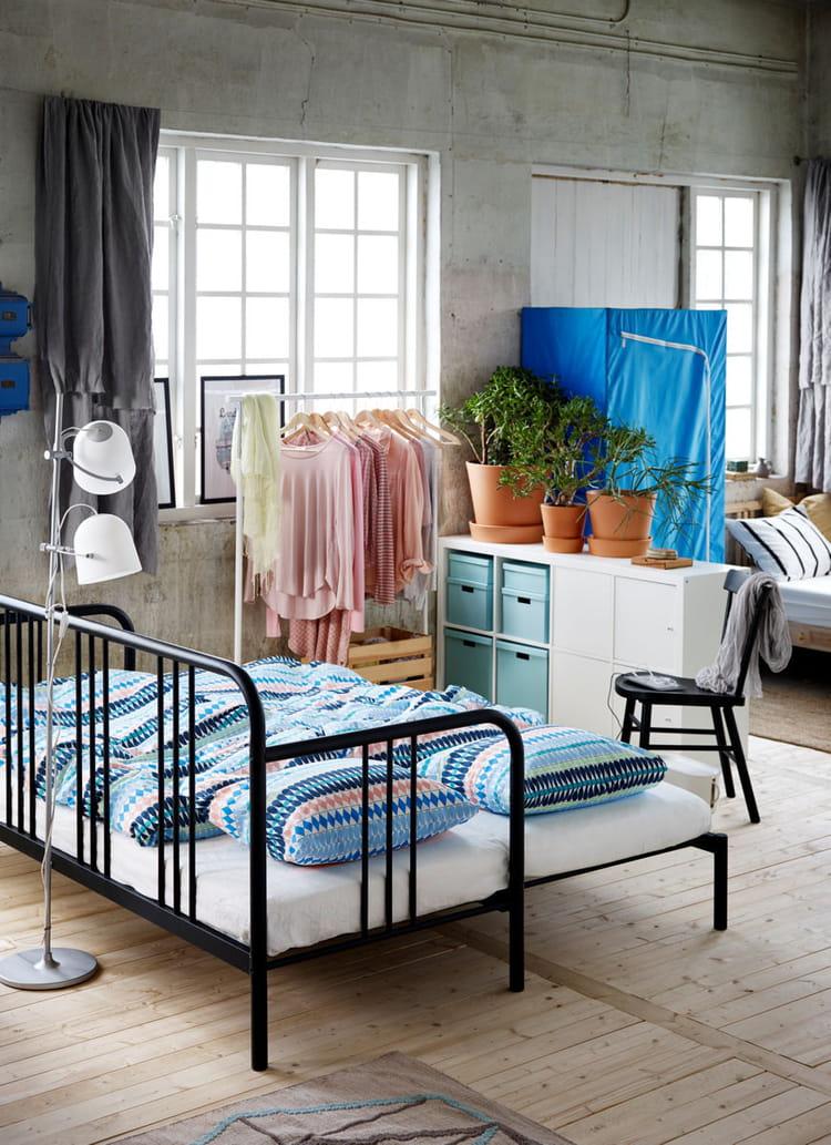 un lit modulable pour les petits espaces ikea nos premiers coups de coeur dans le catalogue. Black Bedroom Furniture Sets. Home Design Ideas