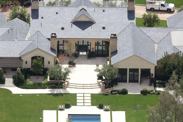 La maison classique de kim kardashian et kanye west les for Maison de retraite classique
