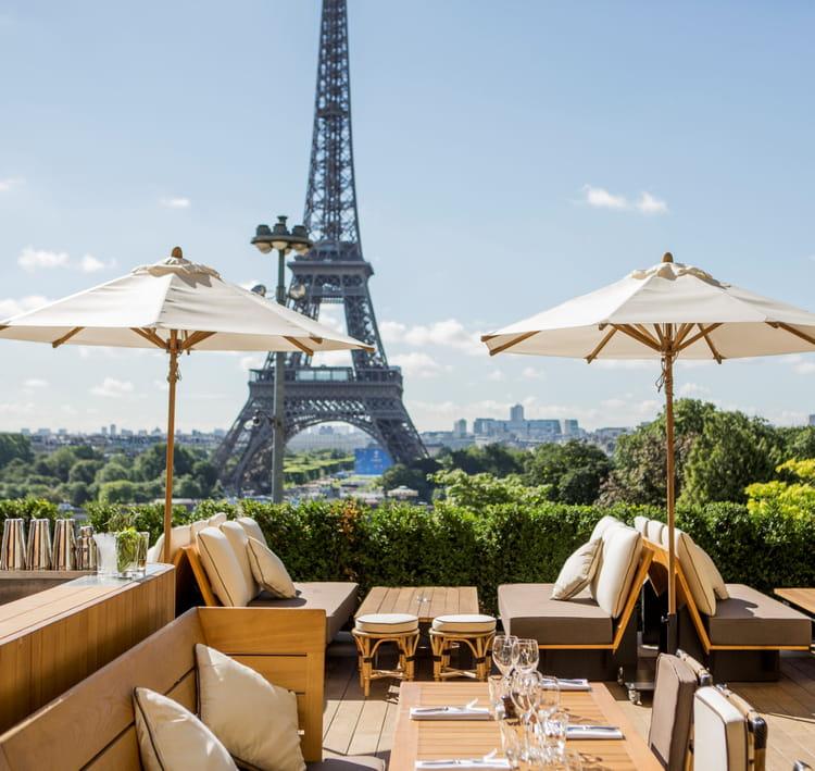 La tour eiffel en ligne de mire terrasses parisiennes - Restaurant terrasse ou jardin paris limoges ...