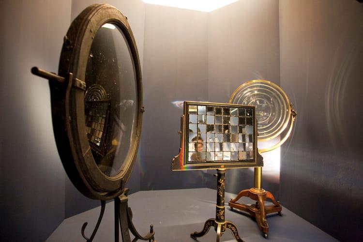 Miroir de buffon et lentille de fresnel les phares s for Miroir de fresnel
