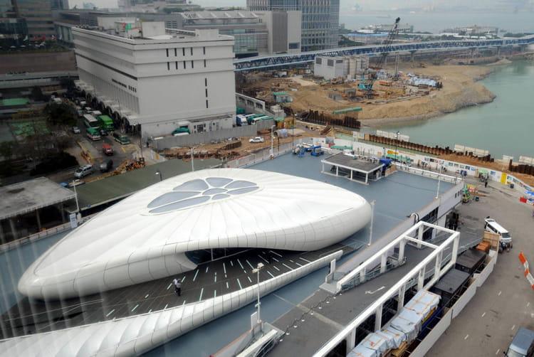 Le mobile art de chanel hong kong les projets les plus fous d - Pont des arts hong kong ...