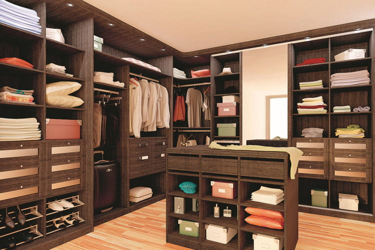 un dressing king size des dressings pour tout ranger linternaute. Black Bedroom Furniture Sets. Home Design Ideas
