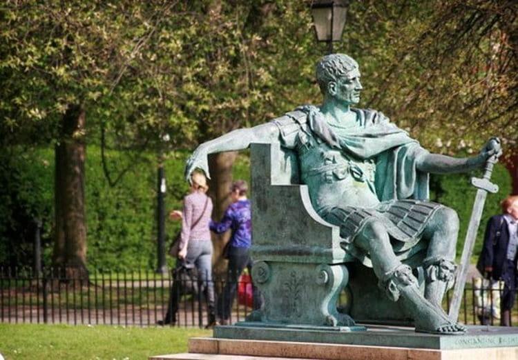 Statue illusion