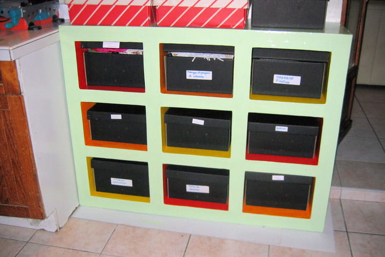 un meuble de rangement 15 meubles en carton fabriqu s par les lecteurs linternaute. Black Bedroom Furniture Sets. Home Design Ideas