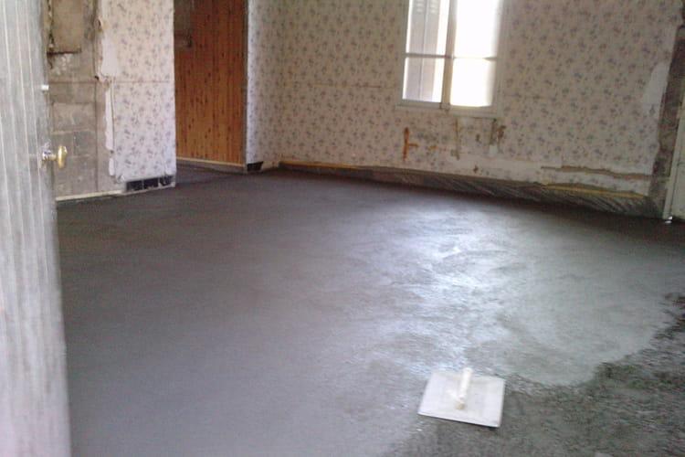 Coulage de la dalle b ton r novation compl te d 39 une maison dans le cher linternaute - Film polyane sous dalle beton ...