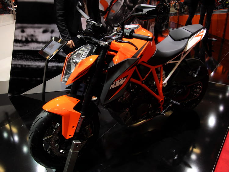 ktm 1290 super duke r salon de la moto de paris 2013 les nouveaut s linternaute. Black Bedroom Furniture Sets. Home Design Ideas
