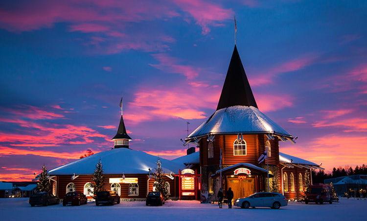 Visitez le village du Père Noel en Laponie