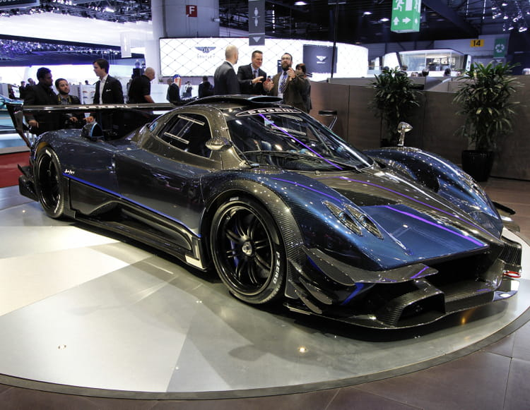 pagani zonda revolucion n 5 salon de gen ve 2014 les nouveaut s trang res linternaute. Black Bedroom Furniture Sets. Home Design Ideas