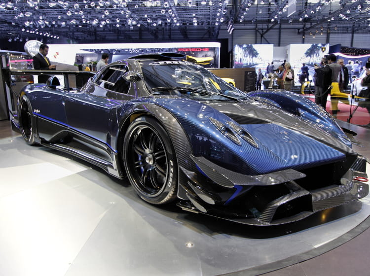 pagani zonda revolucion n 5 salon de gen ve 2014 les voitures de luxe linternaute. Black Bedroom Furniture Sets. Home Design Ideas