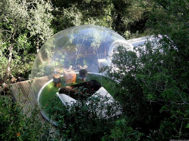 dormir dans une bulle transparente. Black Bedroom Furniture Sets. Home Design Ideas