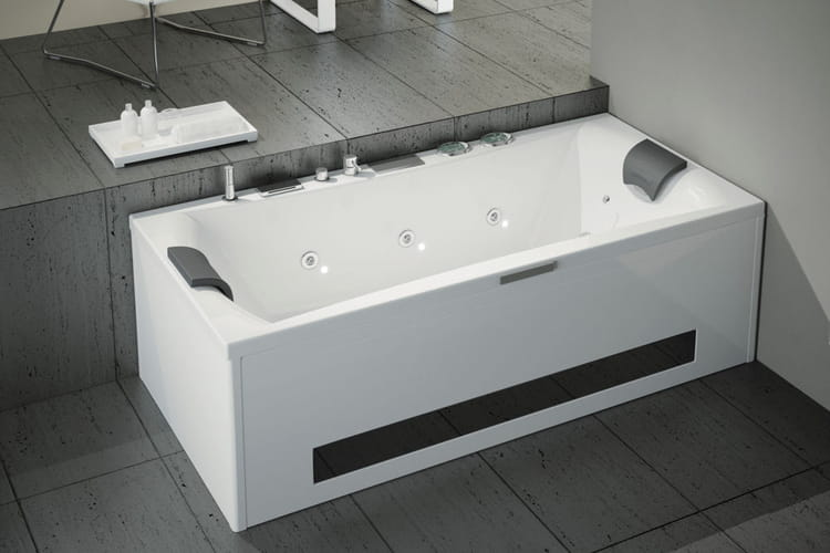 Une baignoire design faites entrer la baln o dans votre for Baignoire balneo 190x90