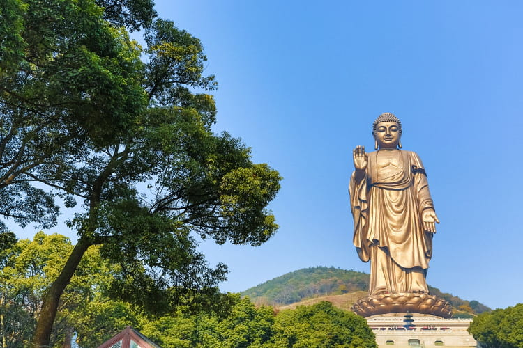 le bouddha du temple de la source plus haute statue du monde les plus grosses constructions. Black Bedroom Furniture Sets. Home Design Ideas