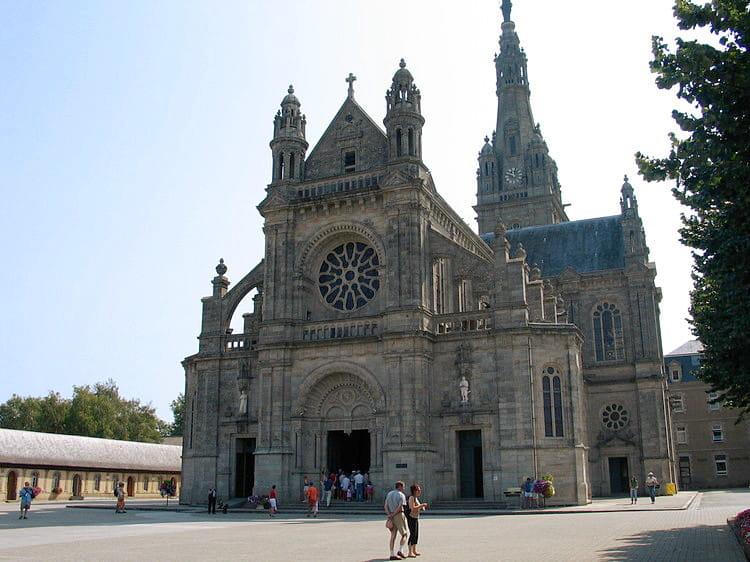 Guide de voyage Morbihan : La basilique Sainte-Anne d'Auray