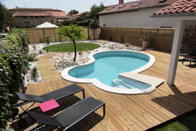 Piscine et baln o en m me temps 25 piscines et spas for Avis piscine waterair