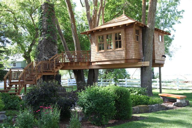 des id es de cabanes construire dans les arbres. Black Bedroom Furniture Sets. Home Design Ideas
