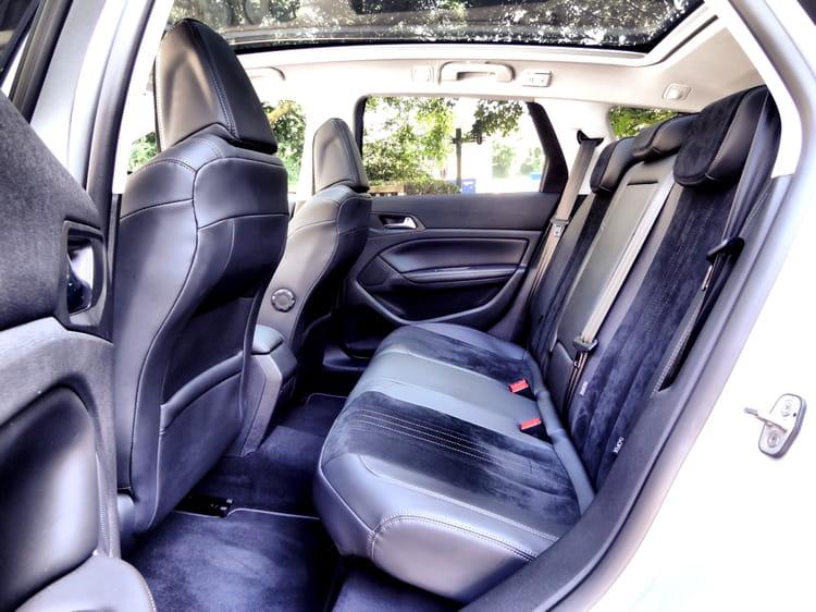 billet en premi re classe essai peugeot 308 sw 2014 la voiture de l 39 ann e fait le break. Black Bedroom Furniture Sets. Home Design Ideas