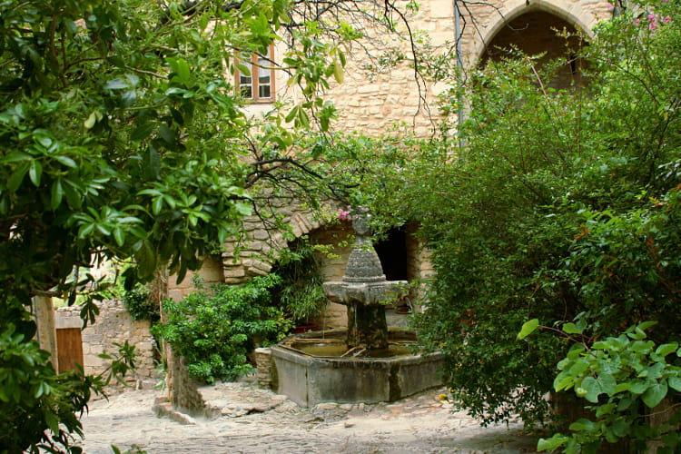 Le Crestet, village secret