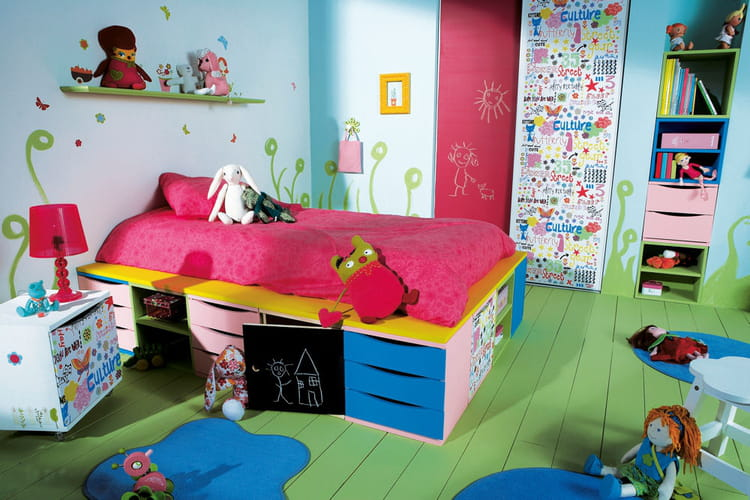 Un lit avec plein de rangement for Amenagement chambre d enfant
