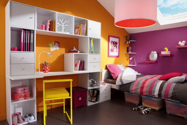 combinaison d 39 tag res autour d 39 un bureau des id es d co pour une chambre d 39 enfant linternaute. Black Bedroom Furniture Sets. Home Design Ideas