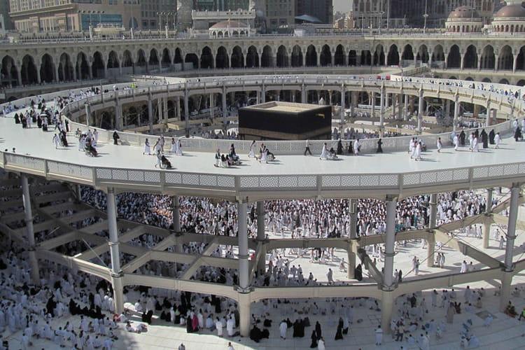 Autour de la kaaba l 39 incroyable r novation de la mecque for A l interieur de la kaaba