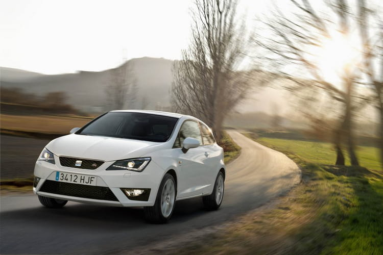 seat ibiza 1 2 tdi 75 ecomotive trois formats. Black Bedroom Furniture Sets. Home Design Ideas