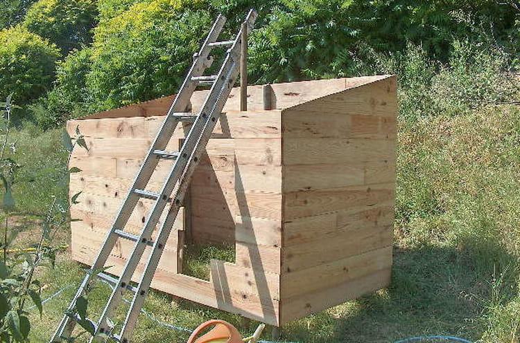 les lames comment construire une cabane en bois linternaute. Black Bedroom Furniture Sets. Home Design Ideas