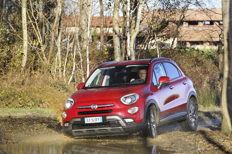 une motricit optimis e fiat 500x le renouveau de fiat photos linternaute. Black Bedroom Furniture Sets. Home Design Ideas