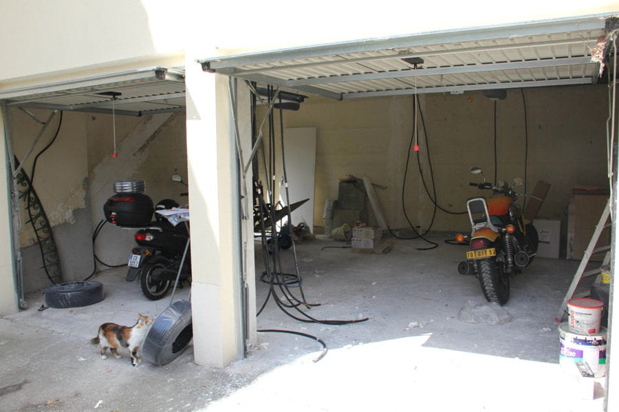 Deux garages transform s en un bel appartement linternaute for Transformer garage en chambre