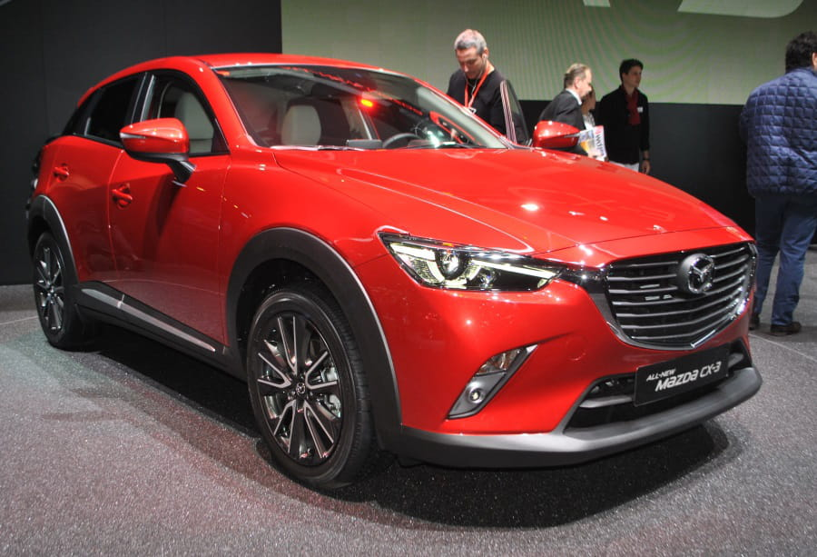 mazda cx 3 le cx 5 revient en version compacte salon de gen ve 2015 les 30 nouveaux. Black Bedroom Furniture Sets. Home Design Ideas