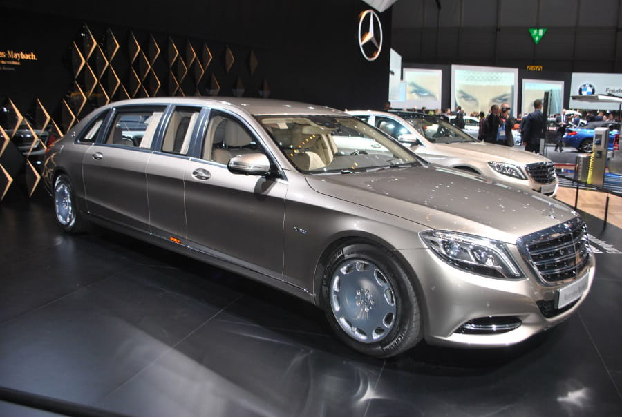 mercedes maybach s600 pullman la limousine version xxl salon de gen ve 2015 les voitures. Black Bedroom Furniture Sets. Home Design Ideas