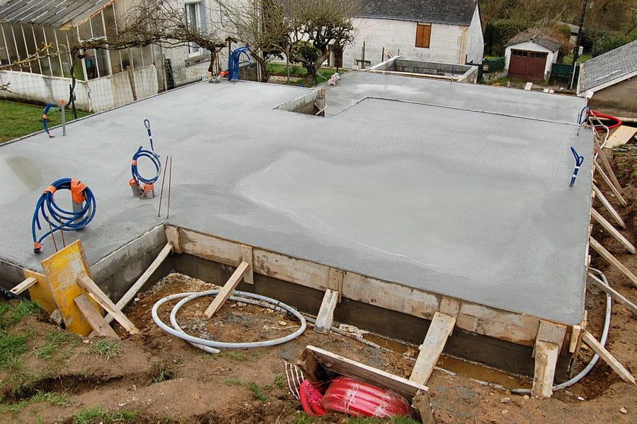 la dalle de b 233 ton suivez la construction d une maison d architecte basse consommation