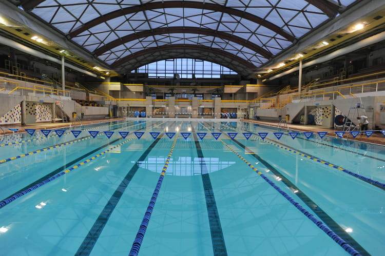 Piscine georges vallerey xxe arrondissement les 20 plus belles piscines de - Piscine 50 metres paris ...